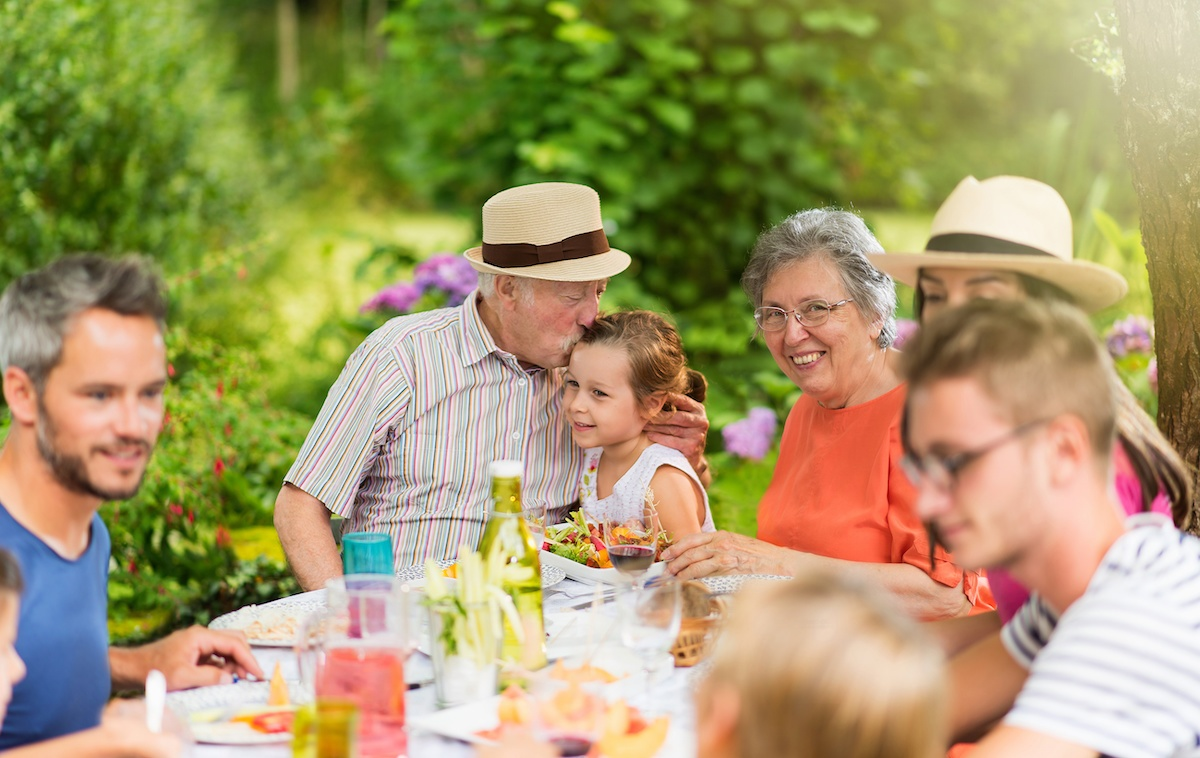 family-gathering-unwelcome-advice-brain-balance