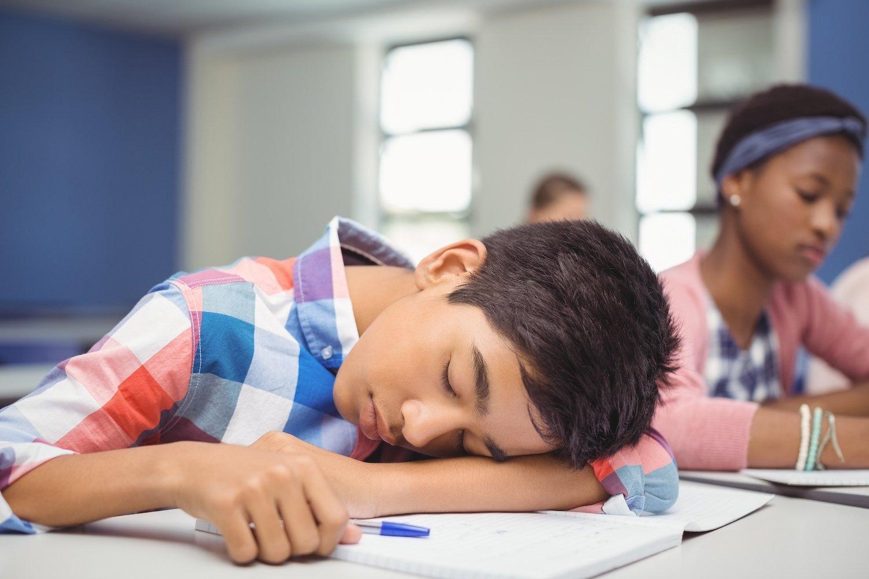 tired-teen-sleep-deprivation-school